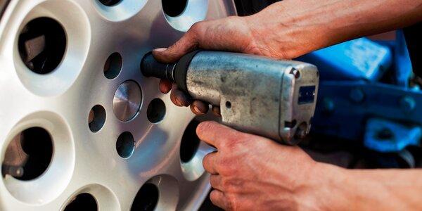 Jesenné prezutie auta alebo parkovacie senzory
