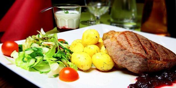 Iron steak s opekanými zemiakmi a dezertom