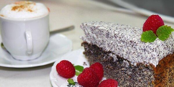 Espresso a domáci makový alebo tekvicový koláč