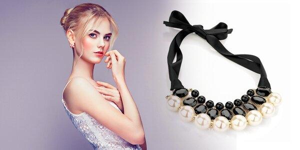 Náhrdelníky s perlami na stužke