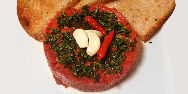 Miešaný tatársky biftek s hriankami