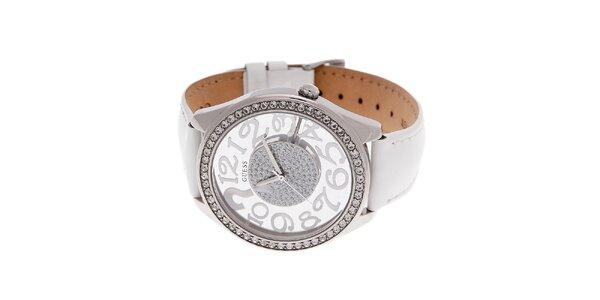 Dámske biele hodinky Guess s koženým lakovaným pásikom a transparentným…