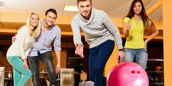 Hodina bowlingu alebo darčeková poukážka na hru i konzumáciu v Bowling Erika