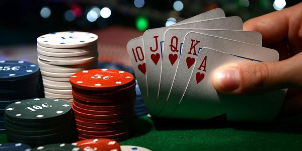 Pokrový večer s priateľmi alebo Jack Daniel's Blackjack večer