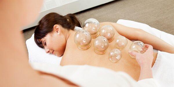 Bankovanie alebo reflexná masáž chrbta