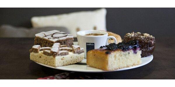 Pravá talianska káva s domácim zákuskom