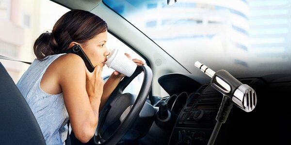 AUX kábel pre telefonovanie a prehrávanie hudby prostredníctvom autorádia