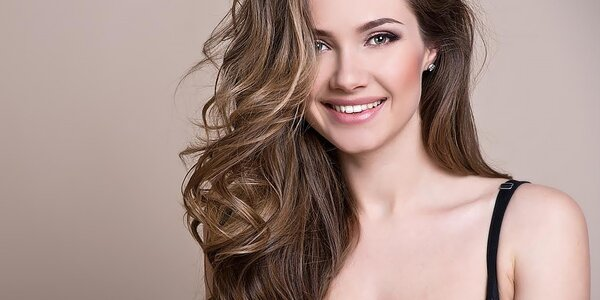 Prepájanie či predlžovanie vlasov