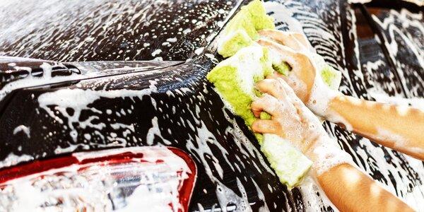 Kompletné čistenie exteriéru a interiéru auta
