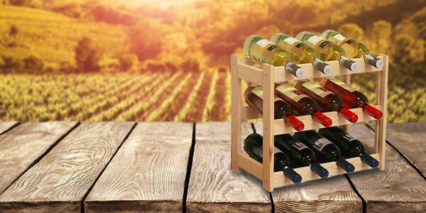 Elegantný drevený stojan na víno