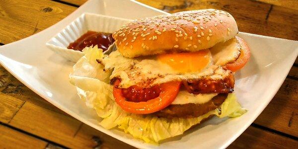 Hamburger s pivom / nealkom alebo s darčekom v Trenčíne