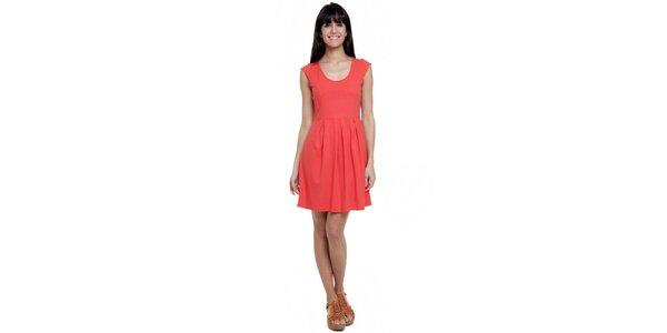 Dámske korálovo červené šaty so skladmi Kool