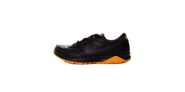 Pánske čierne tenisky Nike s oranžovými detailami