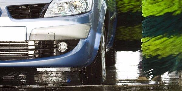 Umytie auta s možnosťou ošetrenia voskom