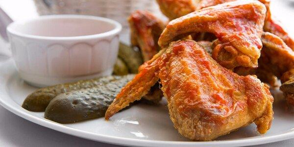 Rebierka, pečené koleno alebo grilované kuracie krídelká v Zlatej Lipe