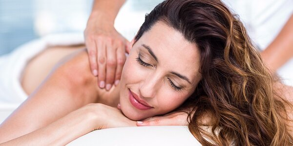 Liečivá masáž chrbta a reflexná masáž chodidiel