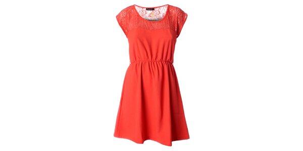 Dámske korálovo červené šaty s čipkou Daphnea