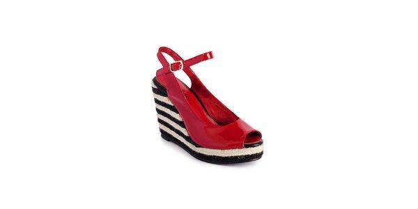 Dámske červené lakované sandálky Lola Ramona na vysokom jutovom podpätku