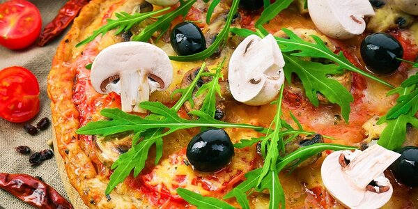 Vyberte si z 10 druhov pizze a 5 šalátov v Košiciach