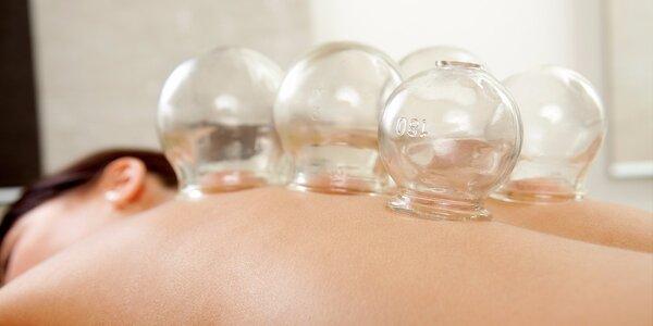 Masáž chrbta sklenenými bankami alebo luxusná aromamasáž