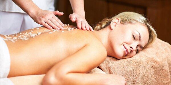 Prírodná peelingová masáž so soľou z Mŕtveho mora a relax v infrasaune