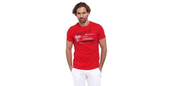Pánske červené tričko s čierno-bielou potlačou Cooperativa