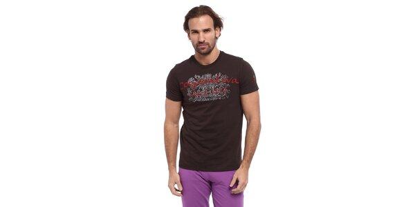 Pánske hnedé tričko s červeno-bielou potlačou Cooperativa