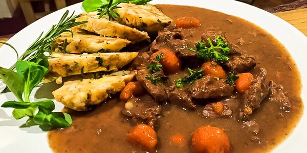 Obedové menu aj s dezertom na donášku z Jelínek Pub&Restaurant