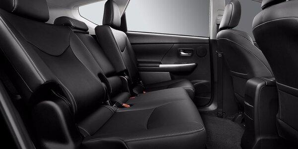 Kompletné hĺbkové parné čistenie interiéru automobilu