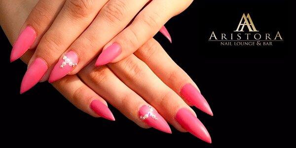 Modelácia gelových nechtov alebo ge lak v luxusnom nechtovom štúdiu AristorA®