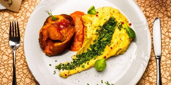 Šťavnaté morčacie stehno či plátky grilovanej zeleniny v Cafe-Restaurant Maraton