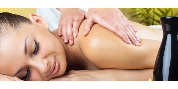 Reflexná masáž chodidiel alebo shiatsu masáž