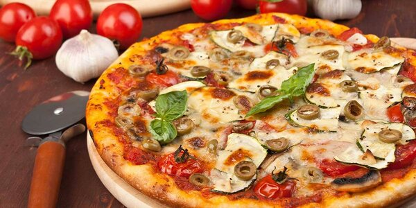 Pizza z pece alebo ripieni v reštaurácii Pizza na Rohu