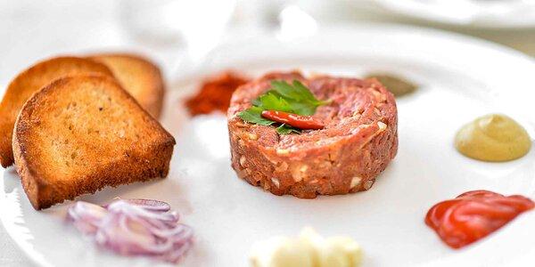 Hovädzí alebo lososový tatarák v jedinečnej talianskej reštaurácii Fellini!