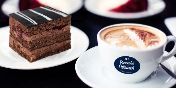 Parížska višňa s espressom alebo cappuccinom