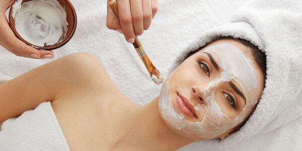 Liftingové omladenie bankovou masážou tváre s peelingom a maskami