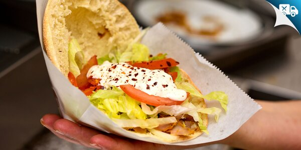 Kurací Döner kebab v pitta chlebe pre dvoch aj s dovozom