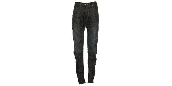Dámske čierne džínsy s ľahko zníženým sedom Exe