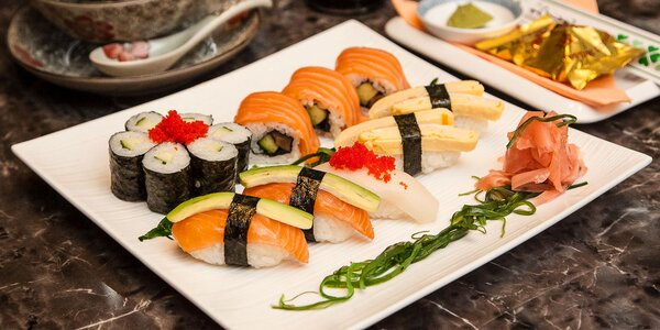 Sushi menu s japonskou rybacou polievkou v Sushi Bar v Auparku