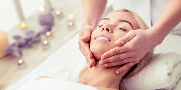Masáž tváre s retinolom alebo mikromasáž očného okolia