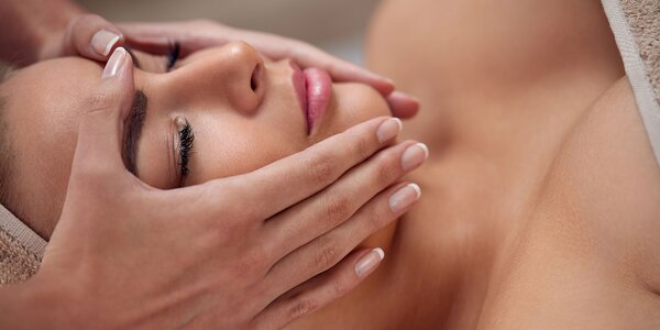 Kozmetická lymfodrenáž tváre s aplikáciou esencie kyseliny hyalurónovej
