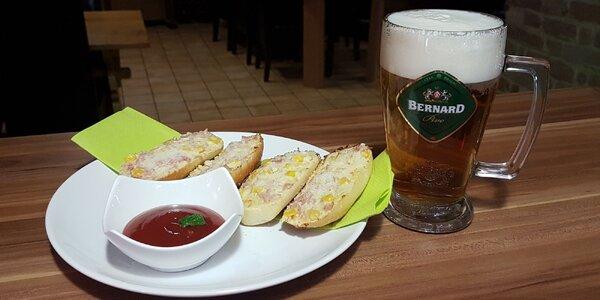 Posedenie pri vychladenom pivku a domácich zapekačkách