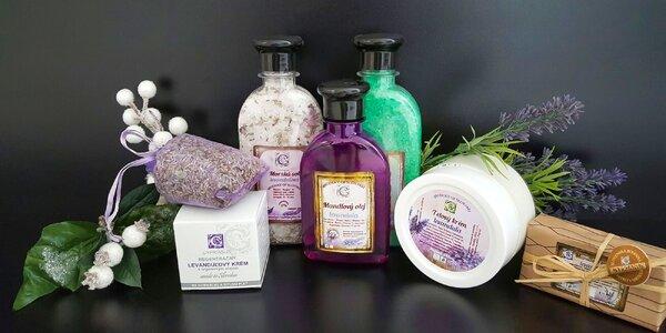 Balíček plný luxusnej prírodnej kozmetiky v darčekovom balení