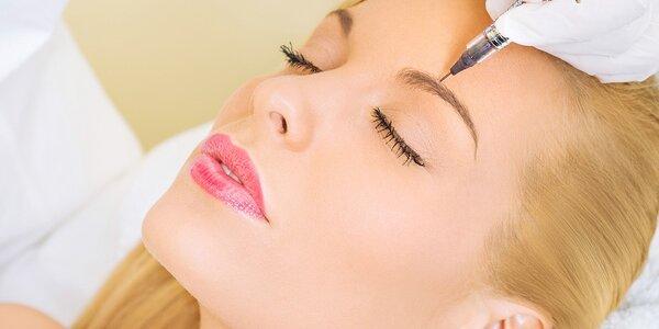 Permanentný make up obočia čiarkovanou metódou