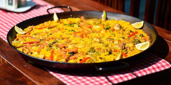 Pravá španielská paella pre 2 a fľaša vína
