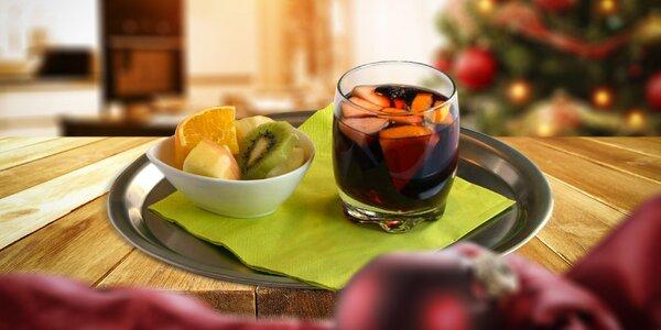 Punč alebo horúce jabĺčko, horúca čokoláda s ovocím a šľahačkou alebo štrúdľa a…