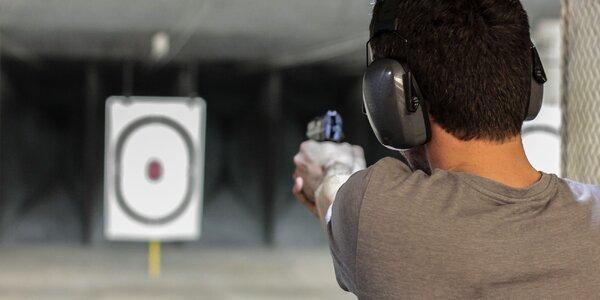 Strieľanie na strelnici Colt Club pod hradom