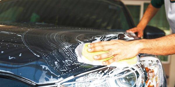 Ručné umytie exteriéru aj s možnosťou čistenia interiéru a tepovania sedačiek
