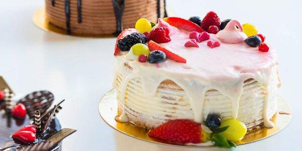 Valentínske ovocné alebo čokoládové torty