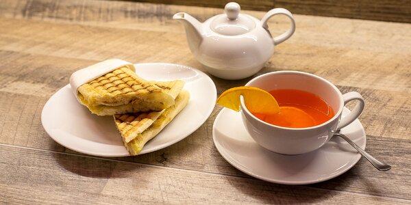 Čerstvé panini s džúsom alebo čajom v Grand caffe